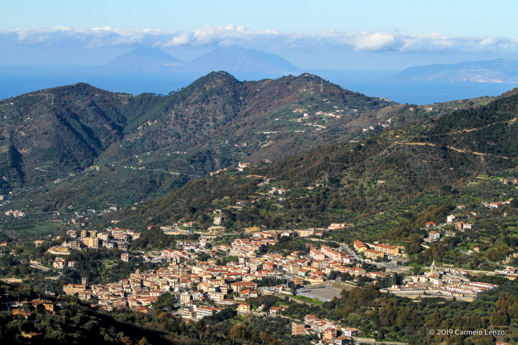 Sant'Angelo di Brolo e le isole eolie